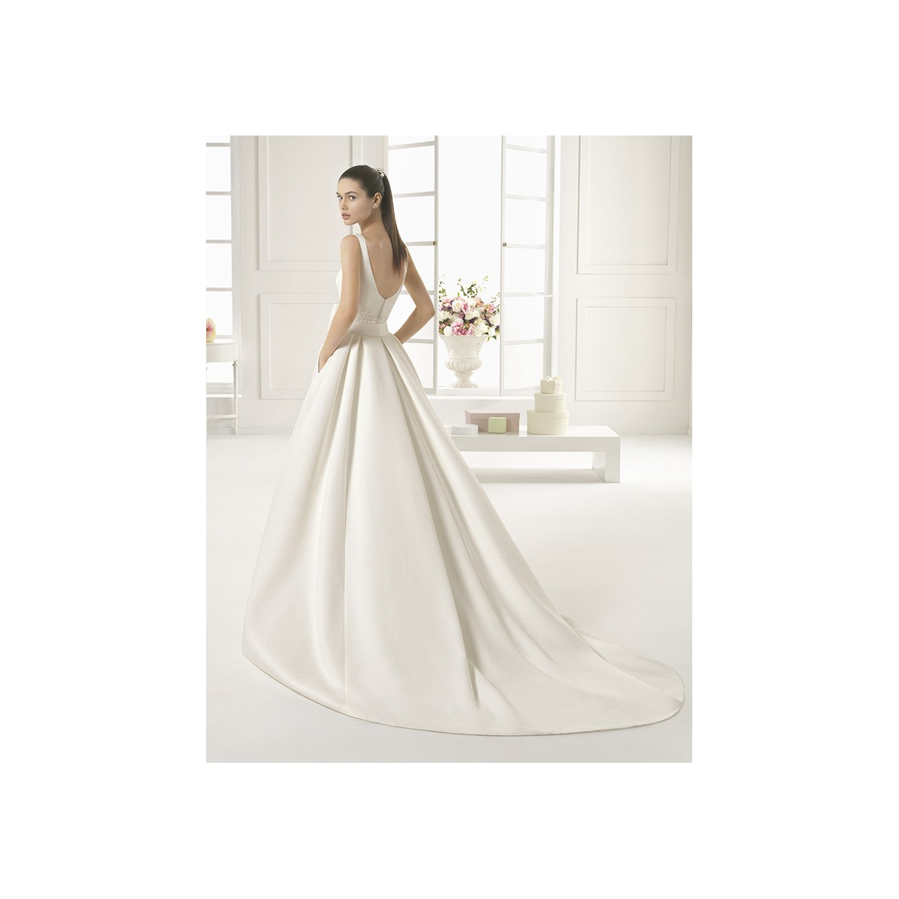 Outlet 136 - abito da sposa 2016 Outlet Collection - Le Spose di Milano eba489c6885