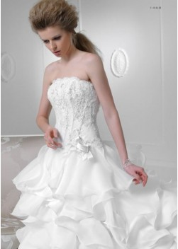 e25b8534165f Outlet 120 - abito da sposa 2016 Outlet Collection - Le Spose di Milano